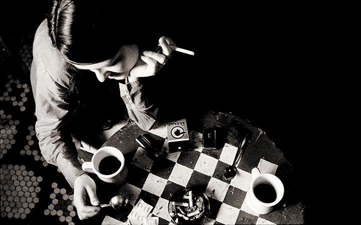 『コーヒー&シガレッツ』(監督:ジム・ジャームッシュ) ©Smokescreen Inc. 2003 All Rights Reserved