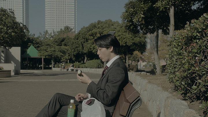 AGC旭硝子ウェブムービー「言えなかった男篇(ロングver)」より