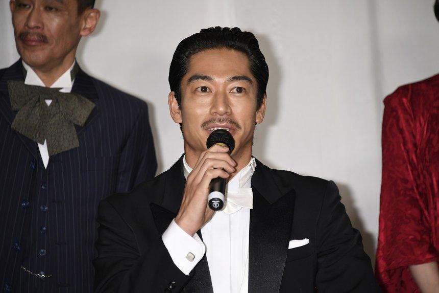 AKIRA 『この道』クランクアップ報告記者会見より ©LDH JAPAN