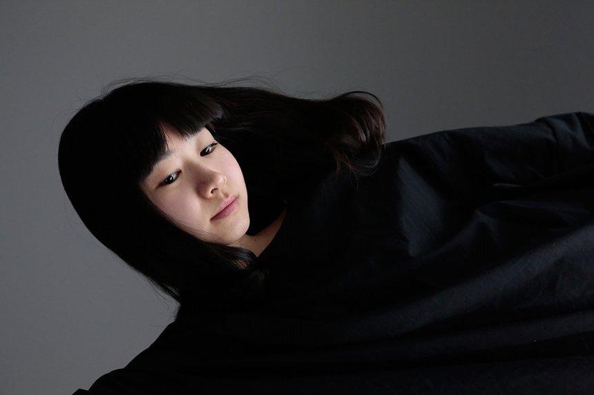 青柳いづみ ©篠山紀信