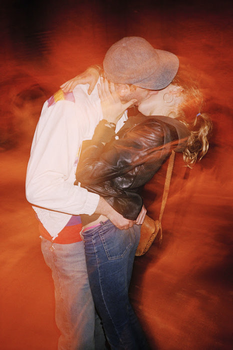 ライアン・マッギンレー『The Kiss』 2000 / 2016 c-print 152.4×101.6cm edition of 3 ©Ryan McGinley
