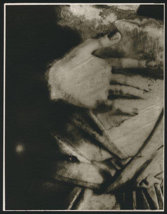 La main gelée, 2000 ©Sarah Moon