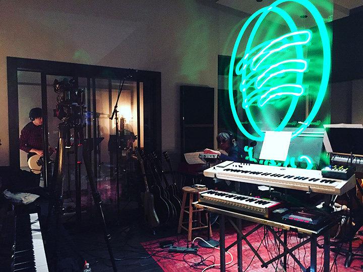Cornelius Spotify Studioにて