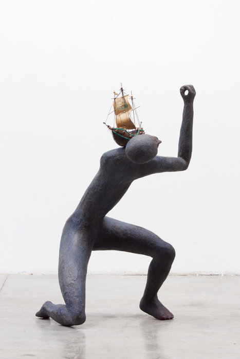 ヘンク・フィシュ『Cosmic dance #1 : the dream of the sea is a ship コズミック・ダンス #1 : 海の夢は船』2018, bronze, ship(wood, paper, thread), h90cm ©Henk Visch, courtesy WAKO WORKS OF ART