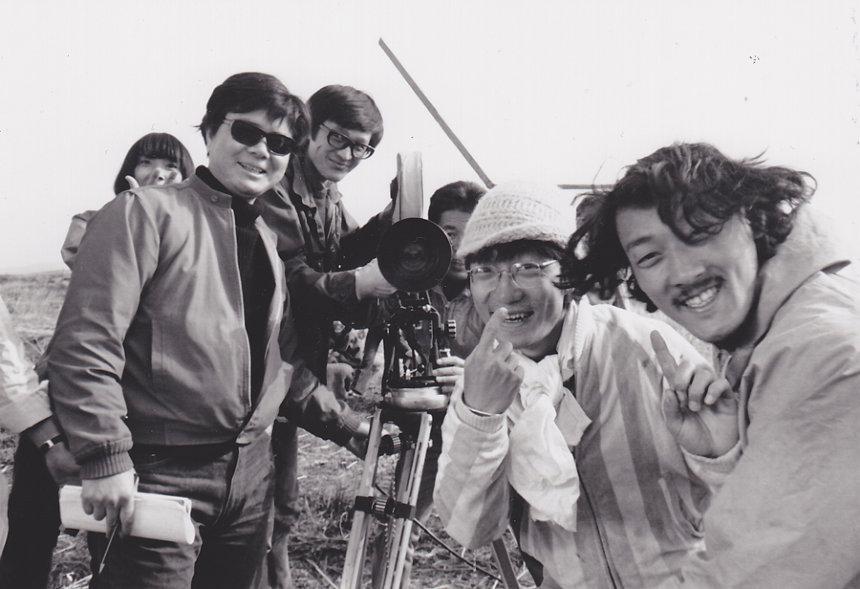 左から吉積めぐみ、若松孝二、赤川修也、伊東英男、秋山道男、小水一男 1969年撮影 ©2018若松プロダクション