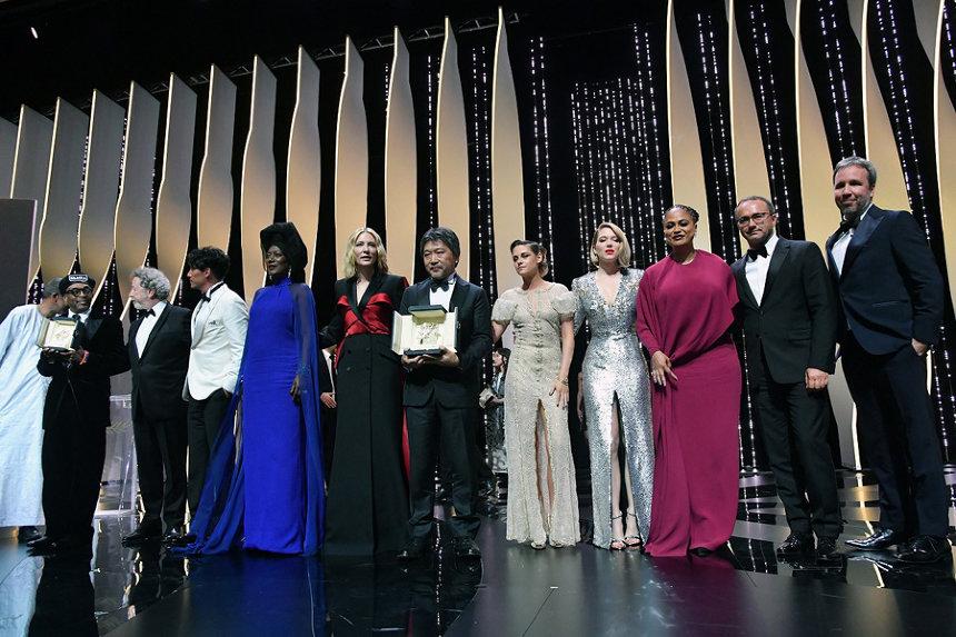 『第71回カンヌ国際映画祭』パルムドールに輝いた『万引き家族』の是枝裕和監督