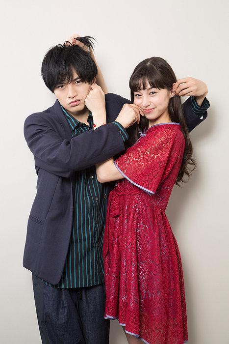 左から中島健人、中条あやみ ©2018映画『ニセコイ』製作委員会