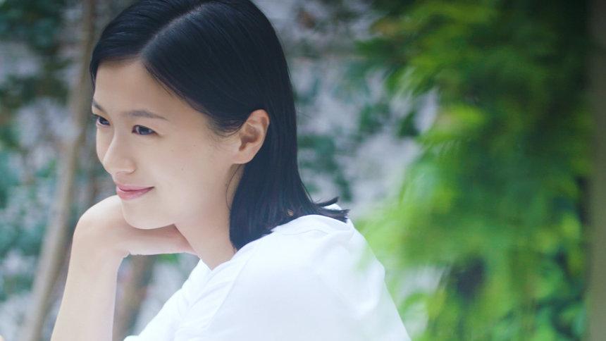 『肌。 Biore×篠山紀信 0→100歳』「榮倉奈々篇」より