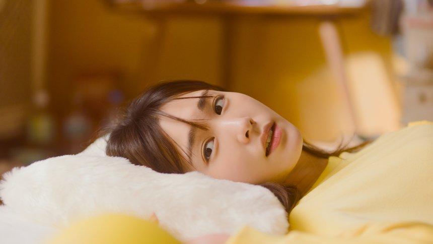 日清チキンラーメン新CM「ぐで垣結衣」篇より