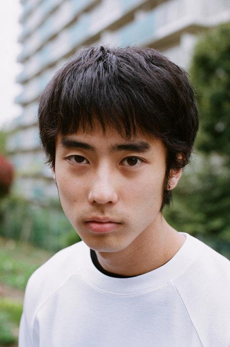 佐藤緋美が初舞台で主演 藤田貴大演出『書を捨てよ町へ出よう』10月に再演