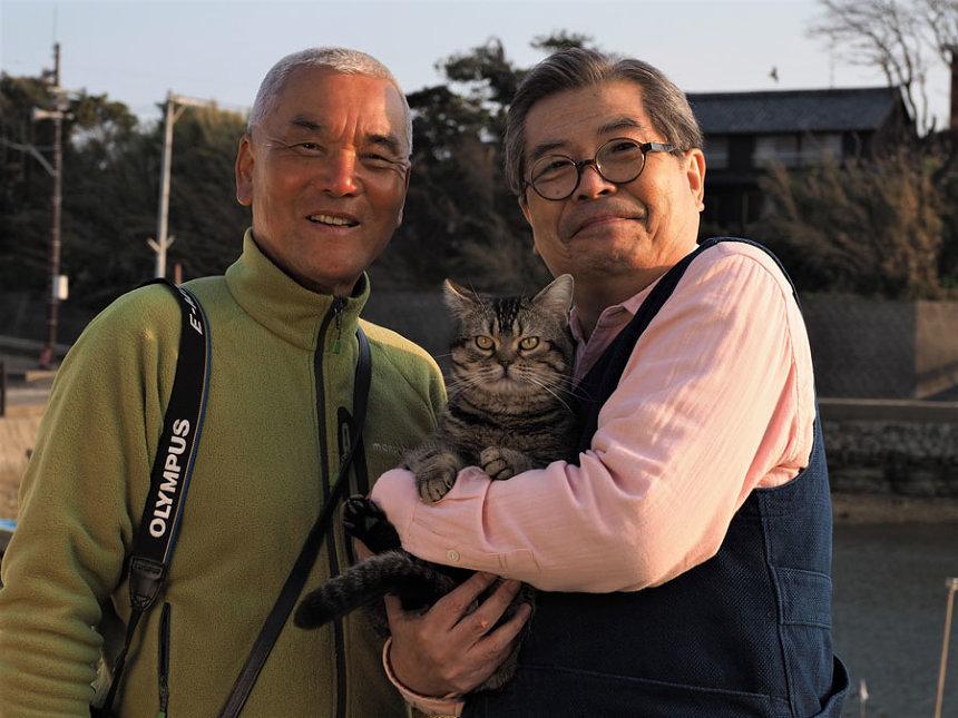 左から岩合光昭、立川志の輔 ©2018「ねことじいちゃん」製作委員会