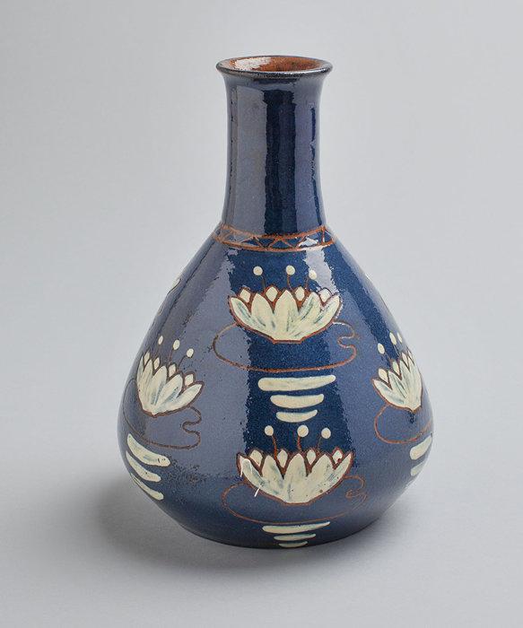 アルフレッド・ウィリアム・フィンチ 花瓶 1897-1902年/ アイリス工房 コレクション・カッコネン photo:Niclas Warius