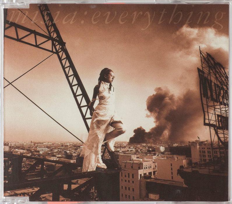 MISIA『Everything』(Ariola Japan/2000 年)AD:信藤三雄 D:新家敏之 Ph:冨永よしえ