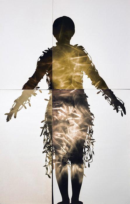 杉浦邦恵『電気服にちなんで Ap2, 』2002年 ゼラチン・シルバー・プリント 東京都写真美術館蔵