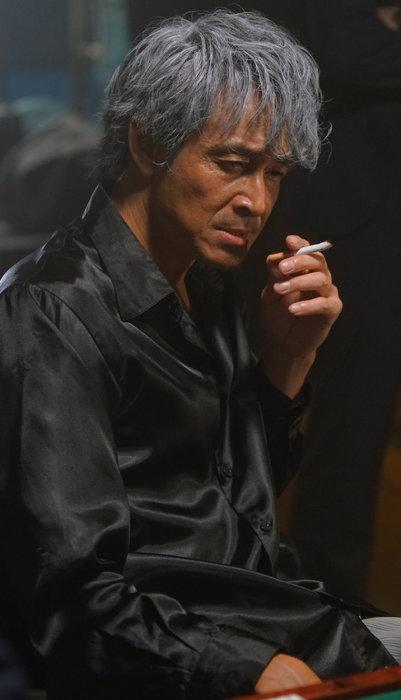 赤木しげる役の吉田栄作  ©福本伸行・竹書房/「天」製作委員会 ©福本伸行/竹書房