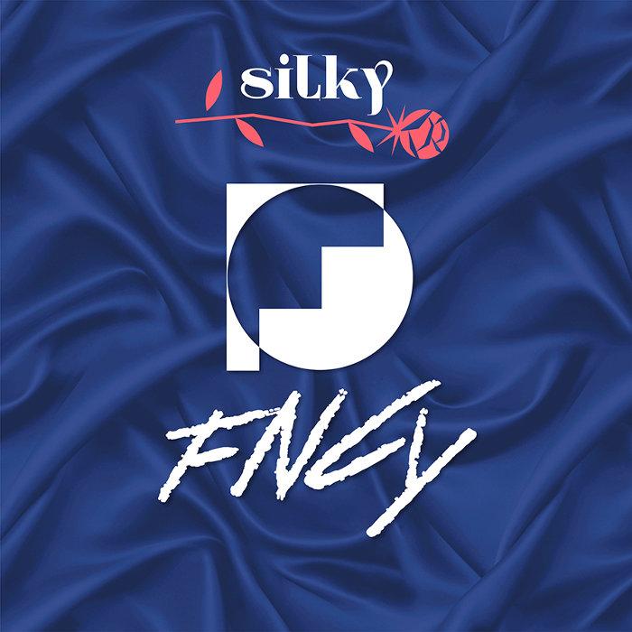 FNCY『silky』ジャケット