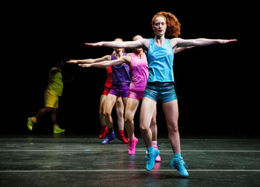 パウラ・ロソレン『Aerobics! ‒ A Ballet in 3 Acts』(撮影:Alex Brenner)