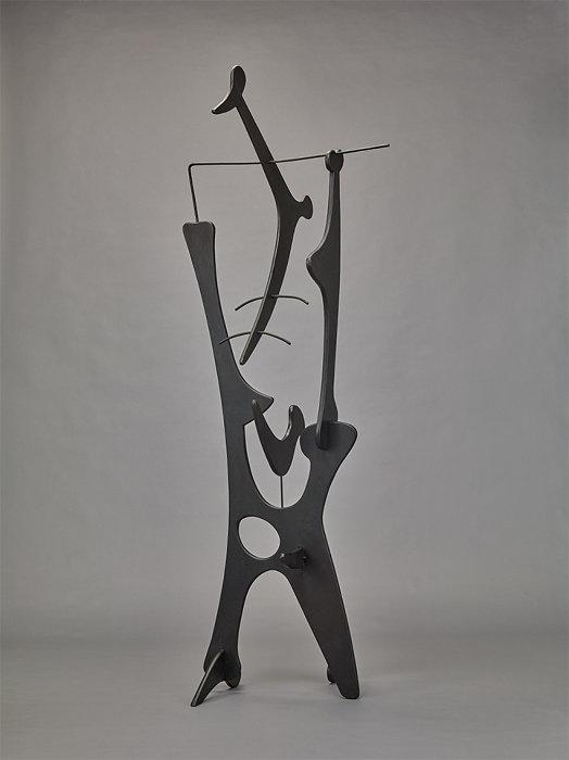 イサム・ノグチ『鏡』1944年(1994年鋳造)香川県立ミュージアム蔵 ©The Noguchi Museum / ARS - JASPAR