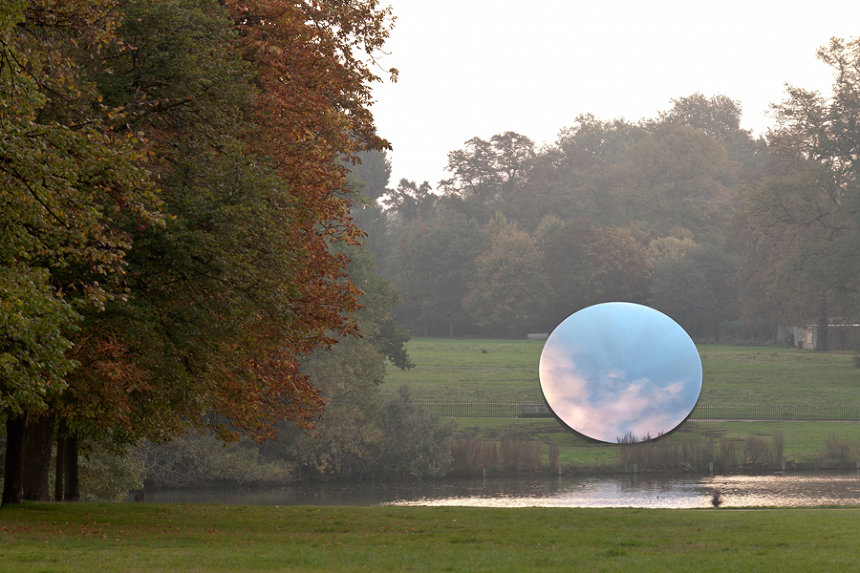 アニッシュ・カプーア『Sky Mirror』2006 Stainless steel Diameter 10 m Photo: Seong Kwon Photography ©Anish Kapoor, 2018