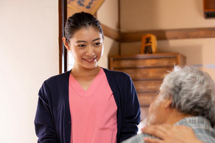 『笑顔の向こうに』 ©公益社団法人日本歯科医師会