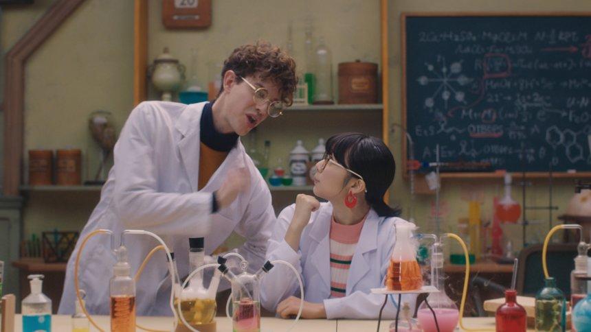 帝人CM「化学の可能性はひとつDAKE JA NAI」篇より