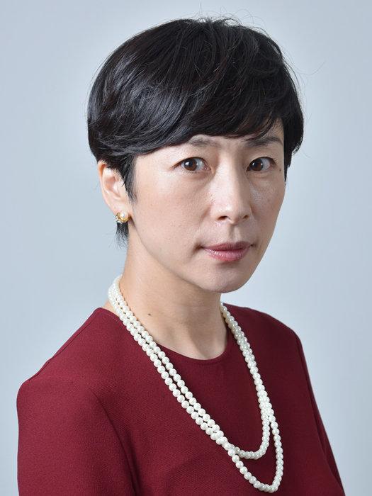 中条京子役を演じる西田尚美 ©テレビ東京