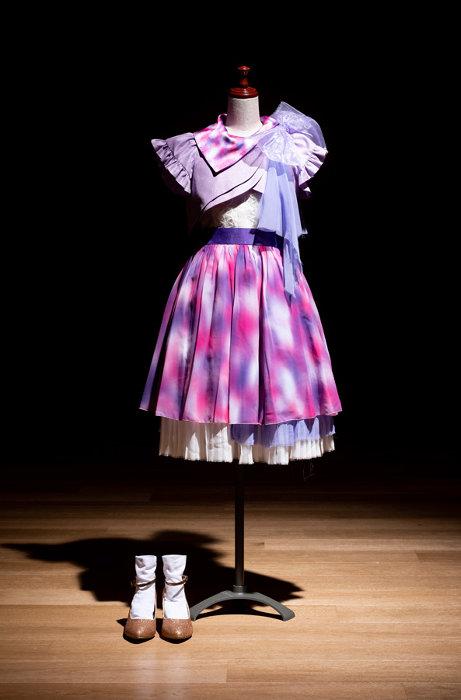 『第66回NHK紅白歌合戦』歌唱用衣装 ©乃木坂 46LLC