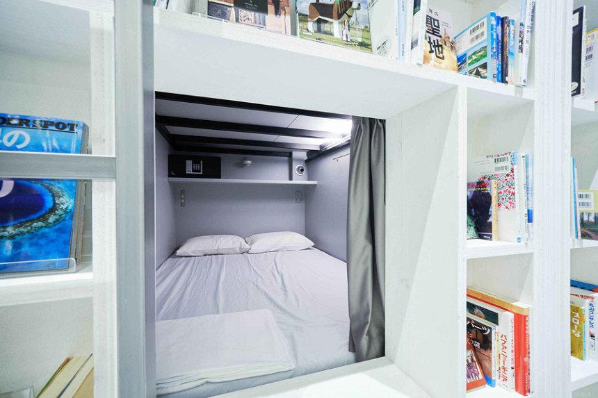 BOOK AND BED TOKYO 心斎橋店ビジュアル ©BOOK AND BED TOKYO 2018