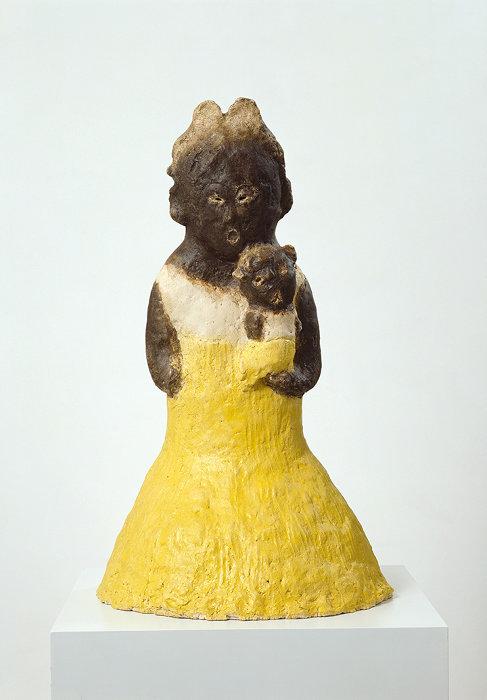 イケムラレイコ『母とミコ』1995年 テラコッタ、釉薬 91x55x55cm 個人蔵、ドイツ