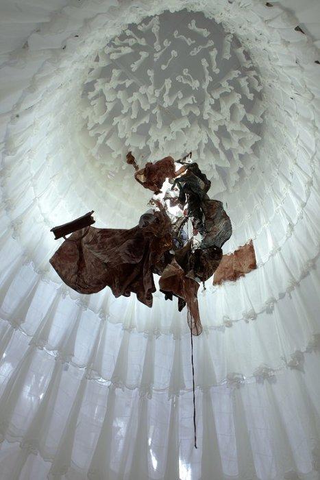 Installation wasted, The Echigo-Tsumari Art Triennial 2009, Tokamachi, Niigata, Japan,2009 ©Kazue Kawase