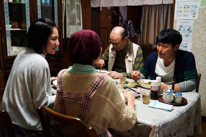 『母を亡くした時、僕は遺骨を食べたいと思った。』 ©宮川サトシ/新潮社 ©2019「母を亡くした時、僕は遺骨を食べたいと思った。」製作委員会