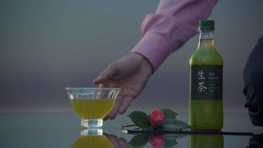 「キリン 生茶」CM「ピアノ篇」より