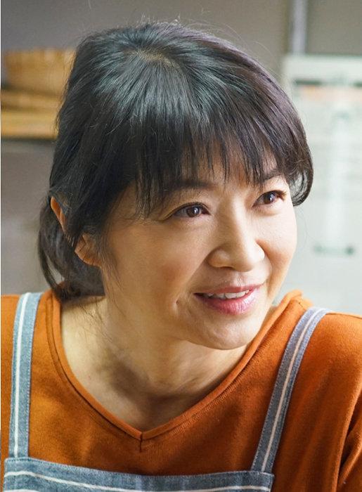 田中美佐子演じる富永佳代子 ©「きのう何食べた?」製作委員会