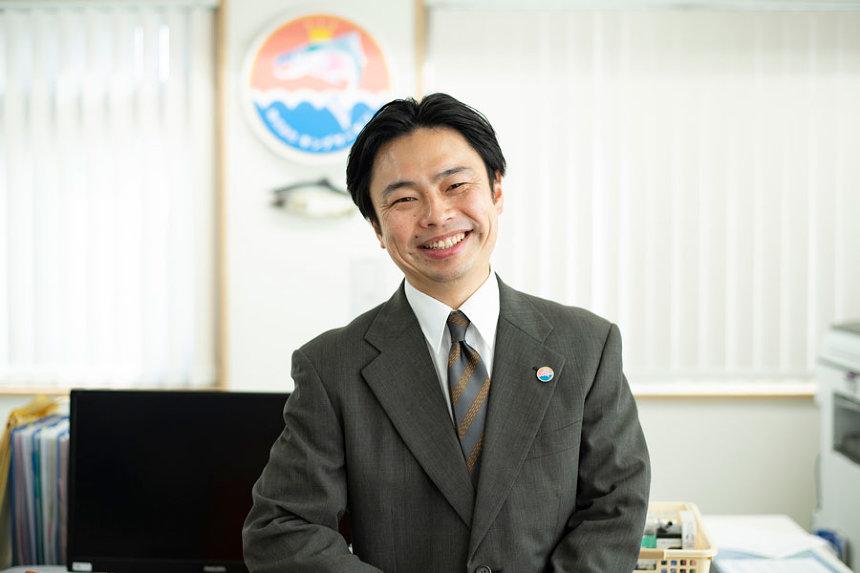 木下役の浜野謙太 ©「酔うと化け物になる父がつらい」製作委員会