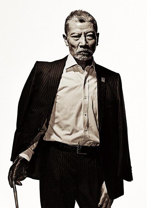 組長代行役の塩見三省 ©2020「初恋」製作委員会