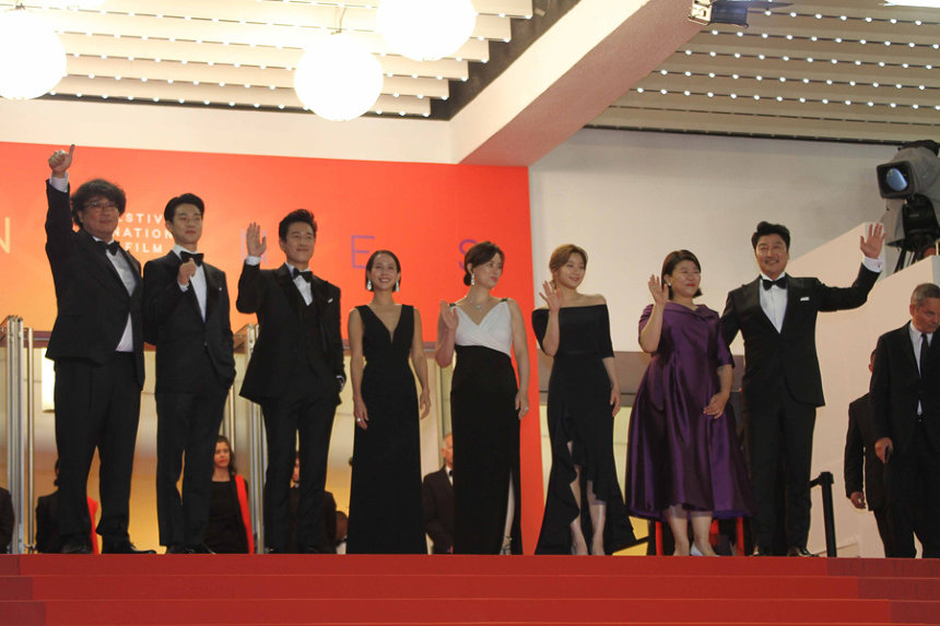 ポン・ジュノ監督と『PARASITE(英題)』 キャスト 『第72回カンヌ国際映画祭』の模様