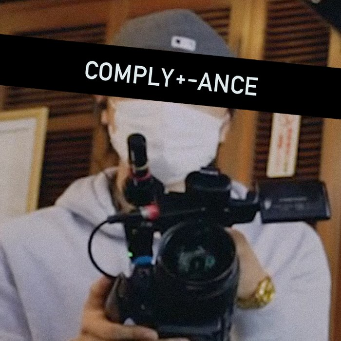 『COMPLY+-ANCE』 ©EAST FACTORY INC.
