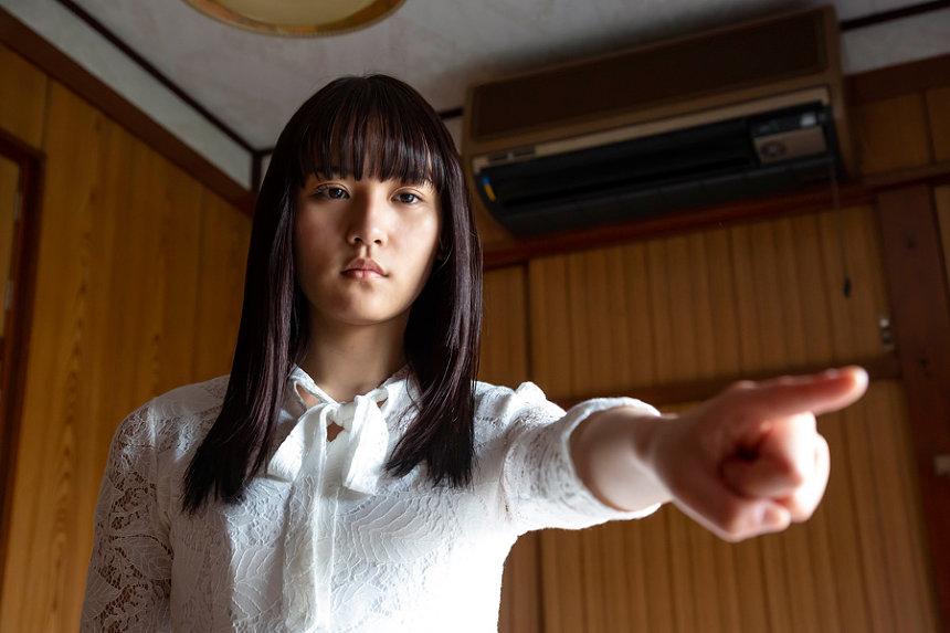 『黒い乙女A』 ©2019AMGエンタテインメント