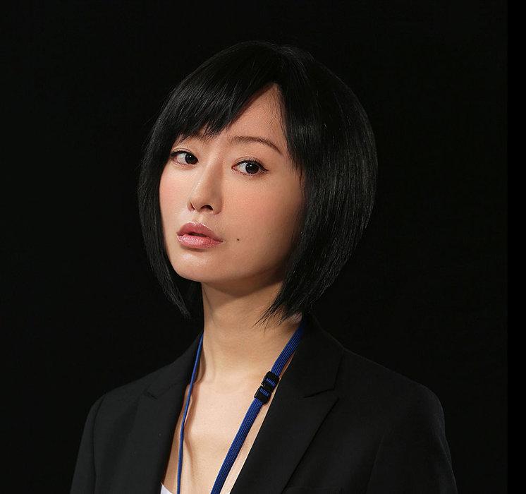 松本まりか演じるニシ川 ©「死役所」製作委員会