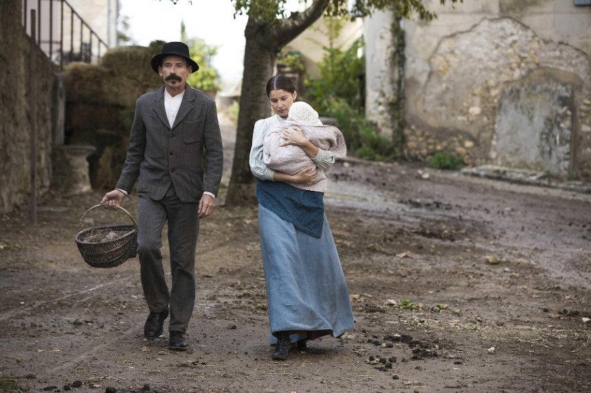 『シュヴァルの理想宮 ある郵便配達員の夢』 ©2017 Fechner Films - Fechner BE - SND - Groupe M6 - FINACCURATE - Auvergne-Rhone-Alpes Cinema