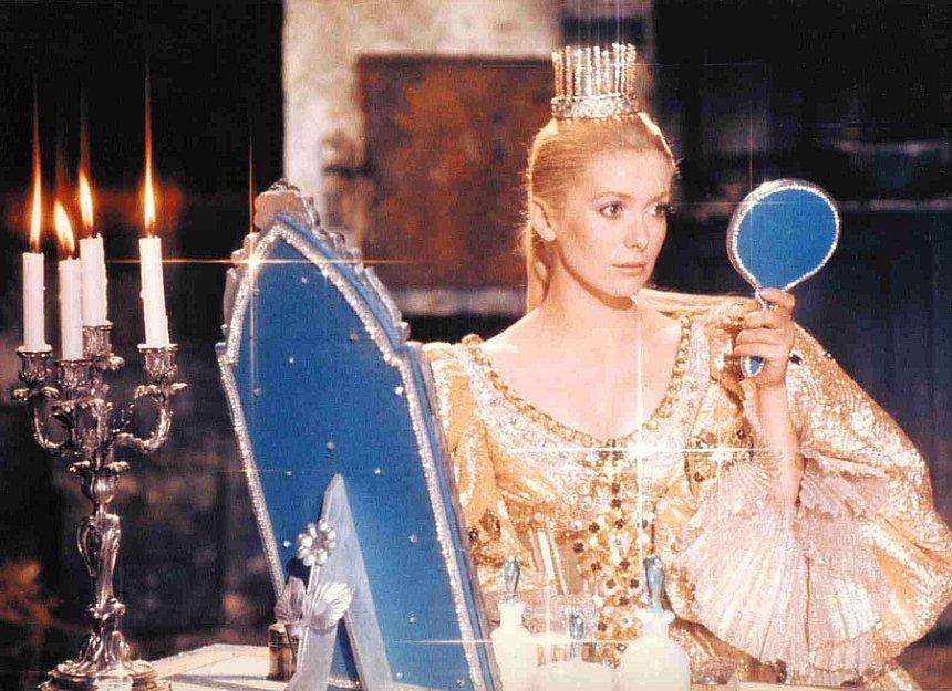 『ロバと王女』PEAU D'ANE ©2003 Succession Demy