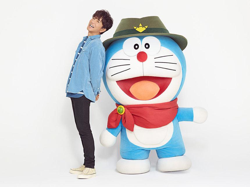 木村拓哉とドラえもん ©藤子プロ・小学館・テレビ朝日・シンエイ・ADK 2020