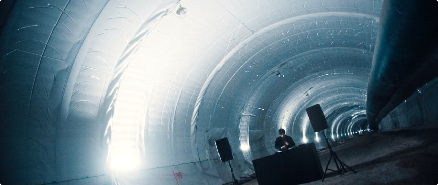 『「Tunnelling Beats(feat. STUTS)」トンネル建設現場の音から生まれたビート』より