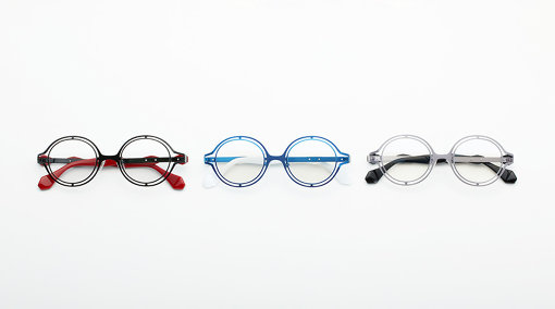 左から:ブラック「草薙素子忍者服カラー」、ブルー「タチコマカラー」、ベージュ「草薙素子フォーマル服カラー」