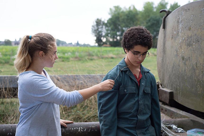 『その手に触れるまで』 ©Les Films Du Fleuve – Archipel 35 – France 2 Cinéma – Proximus – RTBF