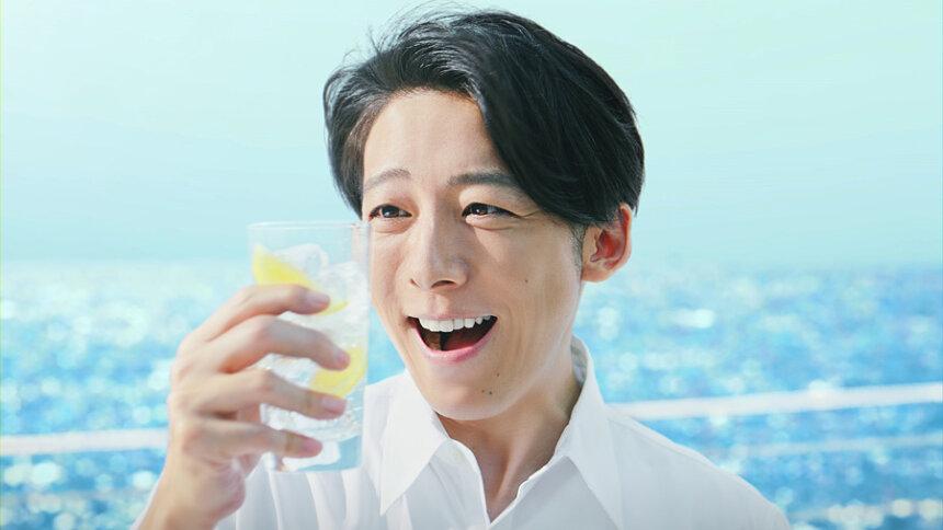 氷結 新CM「氷結 無糖 レモン 新発見」篇より
