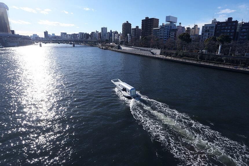 鈴木康広『ファスナーの船』 ©Yasuhiro Suzuk