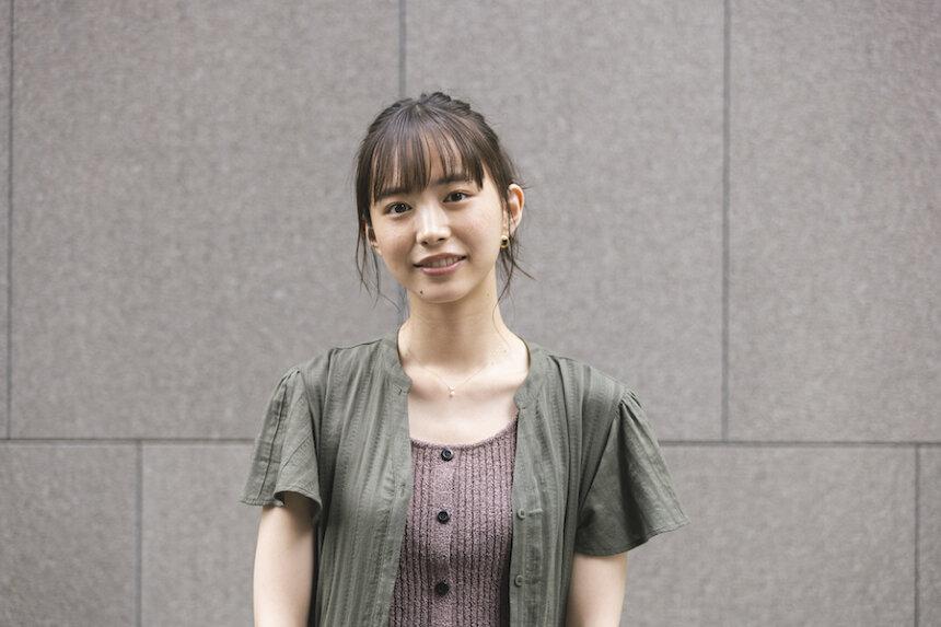 亜里沙役の井桁弘恵 ©「お耳に合いましたら。 」製作委員会