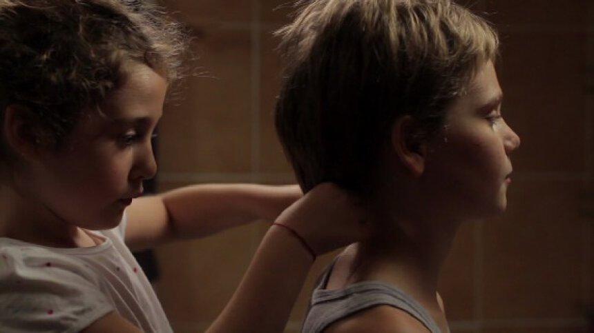 『トムボーイ』 © Hold-Up Films & Productions/ Lilies Films / Arte France Cinéma 2011