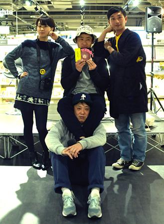 後列左から:梅佳代、いくしゅん、川島小鳥 前列:西光祐輔